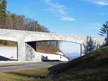 Μπλε Overpass Boone NC χώρων στάθμευσης κορυφογραμμών Στοκ Εικόνα