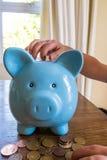 μπλε piggy τραπεζών Στοκ Εικόνα