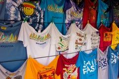 Μπλούζες για την πώληση στις Καραϊβικές Θάλασσες Στοκ Φωτογραφία