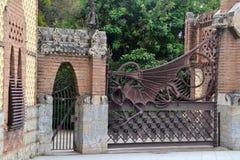 Μυθολογικός δράκος στον κήπο του Hesperides Στοκ Εικόνες