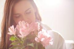 μυρωδιά λουλουδιών στοκ εικόνα με δικαίωμα ελεύθερης χρήσης