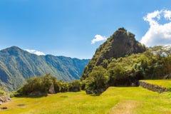 Μυστήρια πόλη - Machu Picchu, Περού, Νότια Αμερική. Οι καταστροφές και το πεζούλι Incan. Παράδειγμα της polygonal τεκτονικής Στοκ εικόνες με δικαίωμα ελεύθερης χρήσης