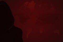 Μυστήριο, άγνωστο πρόσωπο στην κουκούλα Κίνδυνος στο σκοτάδι στοκ φωτογραφία