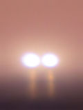Μυστηριώδη φω'τα στην ομίχλη Στοκ Φωτογραφίες
