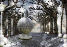 μυστικισμός Απόκρυφη αλέα με τα μαγικά δέντρα στην ελαφριά ομίχλη Στοκ Φωτογραφία