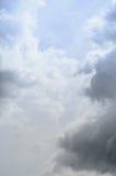 Μυστικός ουρανός με το υπόβαθρο σύννεφων στοκ φωτογραφία με δικαίωμα ελεύθερης χρήσης