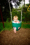 Μωρό έξω στην ταλάντευση Στοκ φωτογραφίες με δικαίωμα ελεύθερης χρήσης