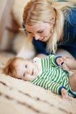 μωρό η μητέρα της Στοκ εικόνες με δικαίωμα ελεύθερης χρήσης