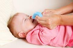 Μωρό με το ρινικό κενό στοκ φωτογραφίες