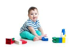 Μωρό με το σύνολο κατασκευής Στοκ εικόνα με δικαίωμα ελεύθερης χρήσης