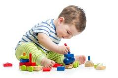 Μωρό με το σύνολο κατασκευής Στοκ Φωτογραφία