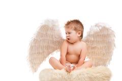 Μωρό νηπίων με τα φτερά αγγέλου Στοκ Φωτογραφίες