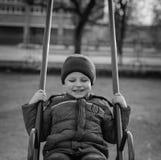 Μωρό που οδηγά στην ταλάντευση Στοκ φωτογραφίες με δικαίωμα ελεύθερης χρήσης