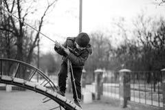 Μωρό που οδηγά στην ταλάντευση Στοκ εικόνες με δικαίωμα ελεύθερης χρήσης