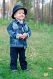 μωρό που χαμογελά υπαίθρ&iota στοκ εικόνα με δικαίωμα ελεύθερης χρήσης