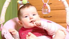 Μωρό στο λίκνο απόθεμα βίντεο