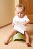Μωρό στο δοχείο στοκ εικόνες