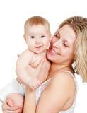 μωρό το λευκό μητέρων αγάπη&sigma Στοκ εικόνες με δικαίωμα ελεύθερης χρήσης