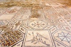 Μωσαϊκά πουλιών και συμβόλων μέσα Basilica Di Aquileia, Ιταλία Στοκ εικόνες με δικαίωμα ελεύθερης χρήσης