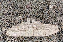 Μωσαϊκό Άγιος-Paul-de-Vence στο πεζοδρόμιο χαλικιών Στοκ Φωτογραφία
