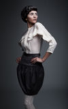 μόδα καψίματος brunette που φαίν&epsilo Στοκ φωτογραφία με δικαίωμα ελεύθερης χρήσης