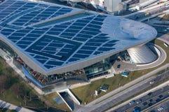 Μόναχο, Γερμανία - 10 Μαρτίου 2016: Τεσσάρων κυλίνδρων ορόσημο του Μόναχου πύργων της BMW που χρησιμεύει ως η παγκόσμια έδρα για Στοκ Φωτογραφία