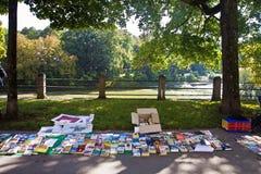 Μόναχο 24 09 2016 - Παζαριών βιβλίων Lisar (ανάγνωση Isar) Στοκ Εικόνες