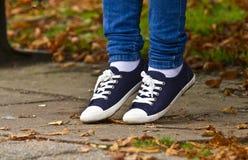 Μόνα πόδια κοριτσιών Στοκ Εικόνα