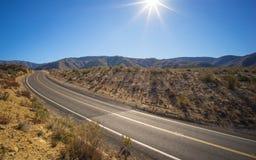 Μόνη εθνική οδός ερήμων Καλιφόρνιας Στοκ φωτογραφία με δικαίωμα ελεύθερης χρήσης