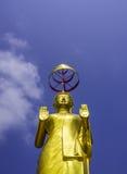 Μόνιμο άγαλμα του Βούδα στοκ εικόνες με δικαίωμα ελεύθερης χρήσης
