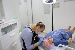 Μόνιμο makeup Μόνιμη διάστιξη των φρυδιών Στοκ φωτογραφίες με δικαίωμα ελεύθερης χρήσης