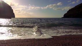 Μόνος μεσογειακός κόλπος στο ηλιοβασίλεμα απόθεμα βίντεο