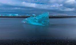 Μόνος πάγος Στοκ εικόνες με δικαίωμα ελεύθερης χρήσης
