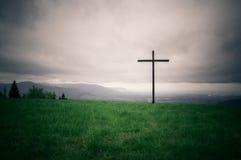 Μόνος σταυρός στη σειρά οριζόντων στοκ φωτογραφία με δικαίωμα ελεύθερης χρήσης