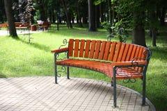 Μόνο ξύλινο πορτοκάλι πάγκων Στοκ φωτογραφία με δικαίωμα ελεύθερης χρήσης