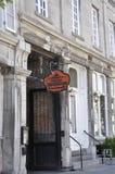 Μόντρεαλ, στις 26 Ιουνίου: Αρχαία είσοδος εστιατορίων από τη rue Saint-Paul στο κέντρο Ville του Μόντρεαλ στον Καναδά στοκ φωτογραφία