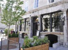 Μόντρεαλ, στις 26 Ιουνίου: Αρχαία είσοδος εστιατορίων από τη rue Saint-Paul στο κέντρο Ville του Μόντρεαλ στον Καναδά στοκ εικόνες με δικαίωμα ελεύθερης χρήσης
