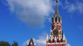 Μόσχα Κρεμλίνο στην ηλιόλουστη ημέρα Ρωσία, κόκκινη πλατεία απόθεμα βίντεο