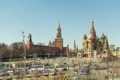 Μόσχα/Ρωσία - 04 2019: άποψη του καθεδρικού ναού του βασιλικού του Κρεμλίν στοκ εικόνες