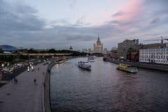 Μόσχα, Ρωσία, ανάχωμα Moskvoretskaya Στοκ εικόνα με δικαίωμα ελεύθερης χρήσης