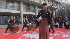 Μόσχα, Ρωσία, 24.2016 Απριλίου: Φεστιβάλ Hinode Japanise Ο ιαπωνικός μουσικός παίζει παραδοσιακό σε μουσικό απόθεμα βίντεο