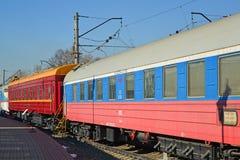 Μόσχα, Ρωσία - 1 Απριλίου 2017 Βαγόνια εμπορευμάτων των τραίνων Rus και Μόσχα-Βαρσοβία στο μουσείο της ιστορίας της ανάπτυξης μετ Στοκ Εικόνες