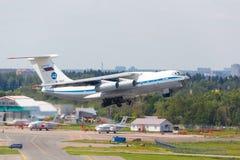 Μόσχα, Ρωσία - 12 Αυγούστου 2017 σοβιετικό αεροπλάνο μεταφοράς εμπορευμάτων IL-76 Στοκ Φωτογραφίες