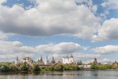 Μόσχα, Ρωσία - 19 Αυγούστου 2012 Το Κρεμλίνο σε Izmailovo, καλοκαίρι τοπίων Izmailovskiy Κρεμλίνο Μοναδικός ιστορικός Στοκ Φωτογραφία