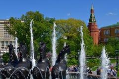 Μόσχα, Ρωσία - 12 Μαΐου 2018 Τέσσερις εποχές του έτους είναι πηγή στην πλατεία Manege Στοκ εικόνα με δικαίωμα ελεύθερης χρήσης