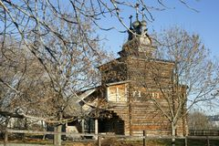 11 04 2017, Μόσχα, Ρωσία, μια αρχαία ξύλινη εκκλησία από το 1685 Υ στοκ φωτογραφία