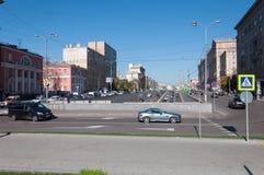 Μόσχα, Ρωσία - 22 Σεπτεμβρίου 2015 Πέρασμα της οδού Novy Arbat και της λεωφόρου Novinsky Στοκ φωτογραφία με δικαίωμα ελεύθερης χρήσης