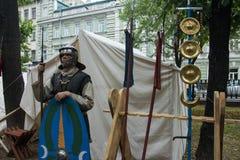 Μόσχα, Ρωσία - τον Ιούνιο του 2019: Ιστορικοί χρόνοι και εποχές φεστιβάλ Αναδημιουργία της ζωής και των πολέμων στοκ εικόνες με δικαίωμα ελεύθερης χρήσης