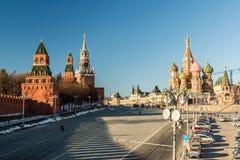 Μόσχα, Ρωσία - 18 Φεβρουαρίου 2016 Κάθοδος Vasilevsky - ο δρόμος στο Κρεμλίνο στοκ φωτογραφία με δικαίωμα ελεύθερης χρήσης