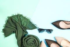 Μόδα Σύνολο μόδας εξαρτημάτων ενδυμάτων Θηλυκά μοντέρνα gumshoes Στοκ εικόνες με δικαίωμα ελεύθερης χρήσης
